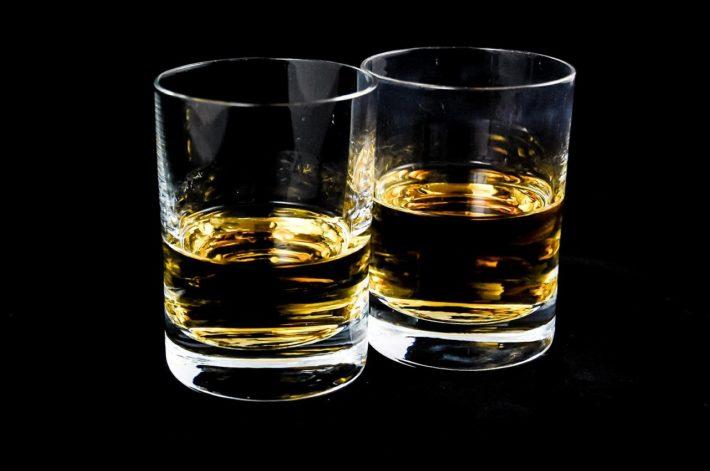 Alkohol w szklankach