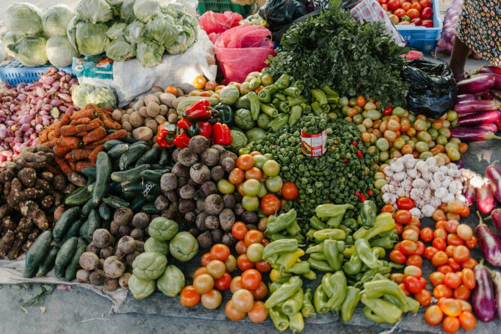 Niuemyte warzywa i owoce przyczyniające się do powstawania aft