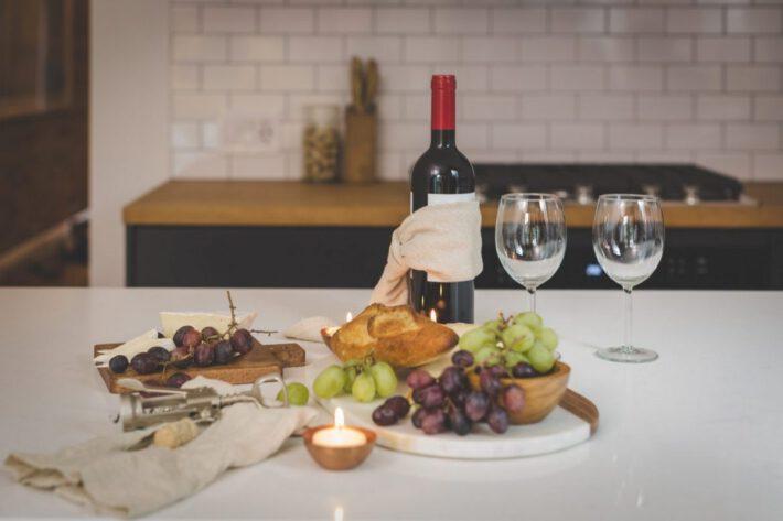 Wino na stole