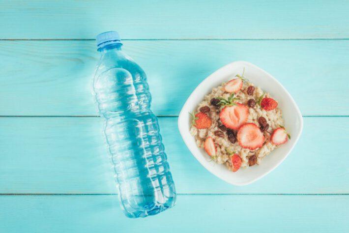 Zdrowy posiłek i woda