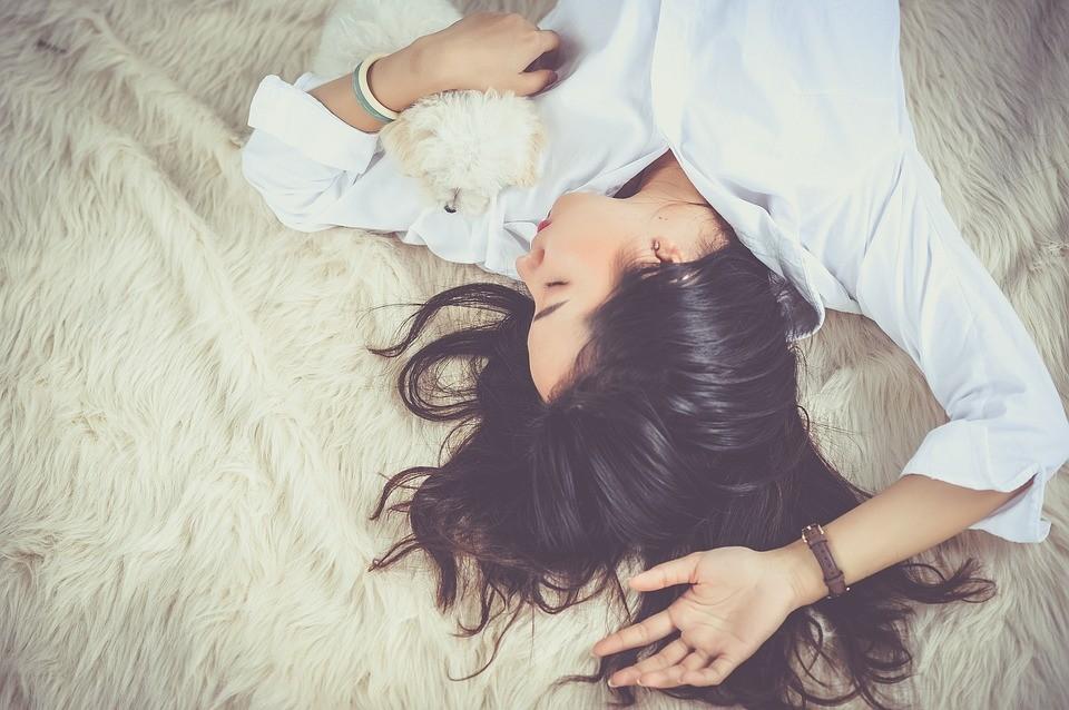 Szampony naturalne bez SLS – czy są konieczne w pielęgnacji włosów?