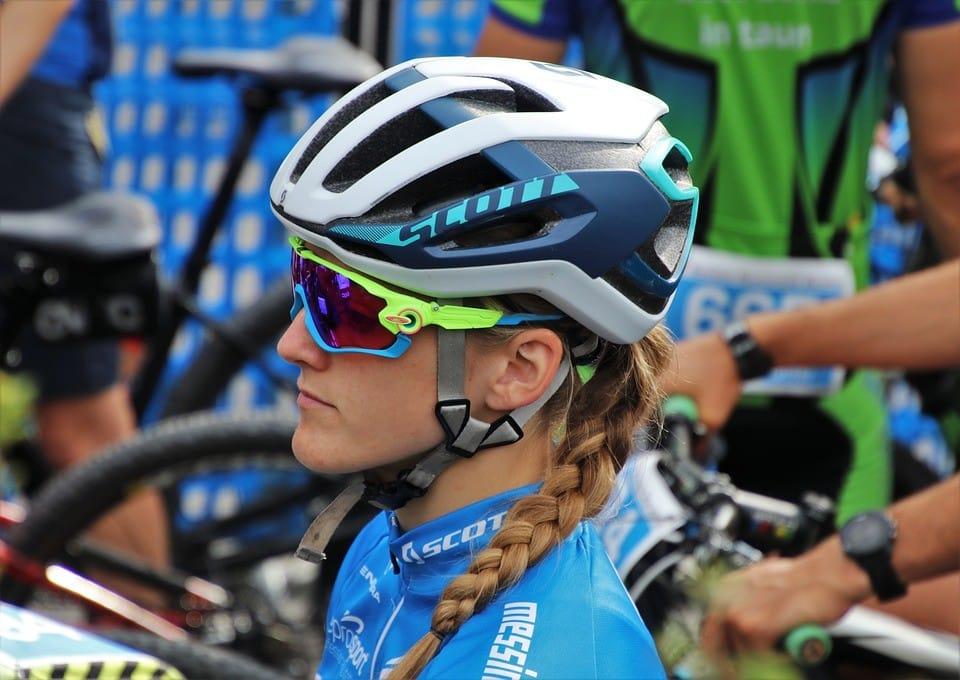 Okulary i rękawki rowerowe – bezpieczeństwo i wygoda