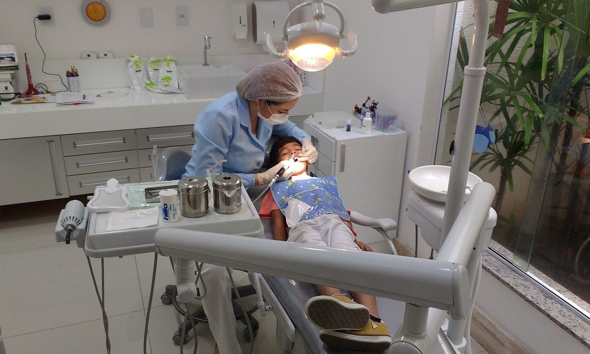 Jak wybrać odpowiedniego dentystę?