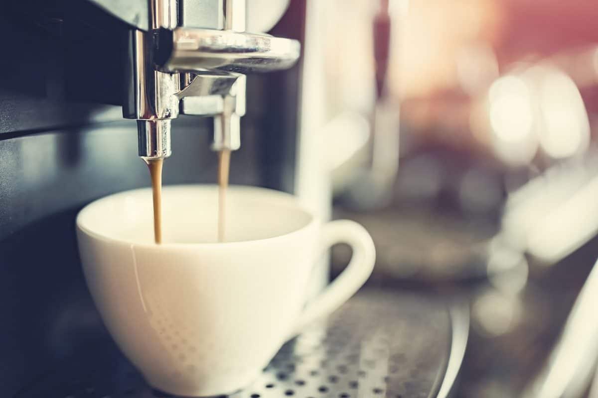 Jak zadbać o ekspres do kawy?