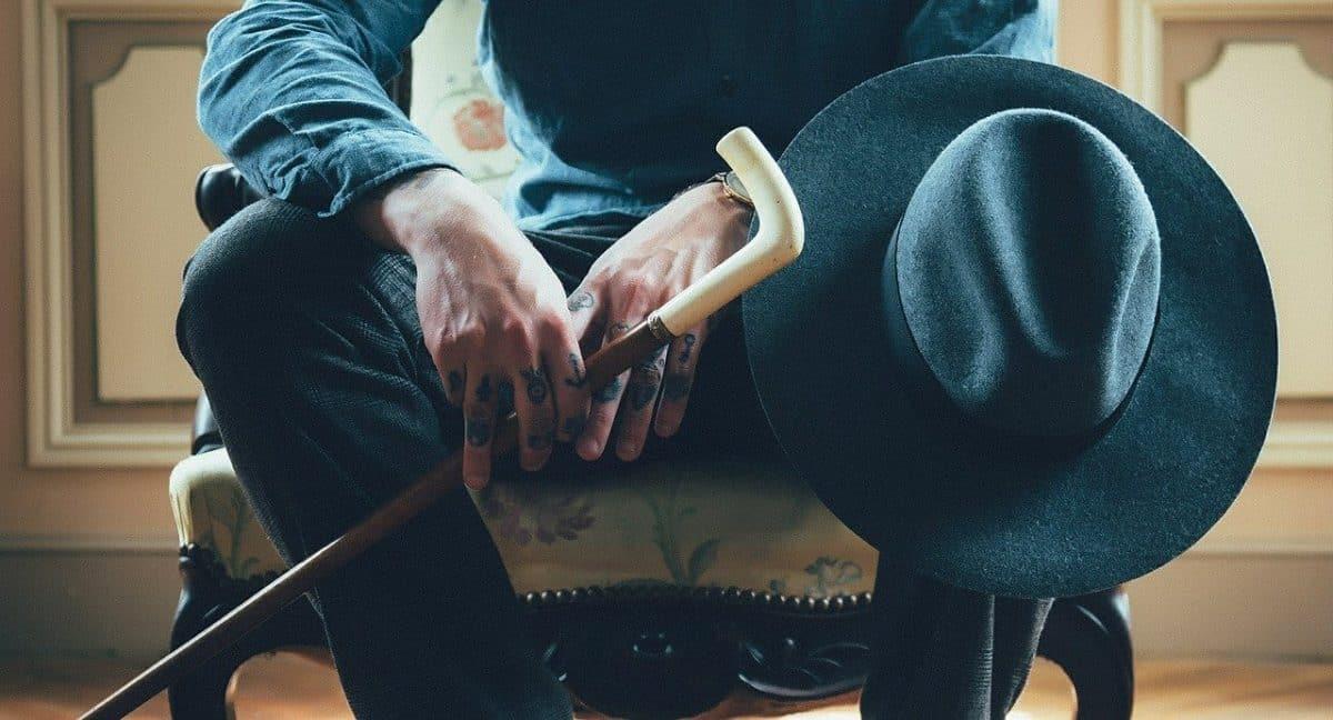 Tatuaże na dłoniach - znaczenie i przykłady