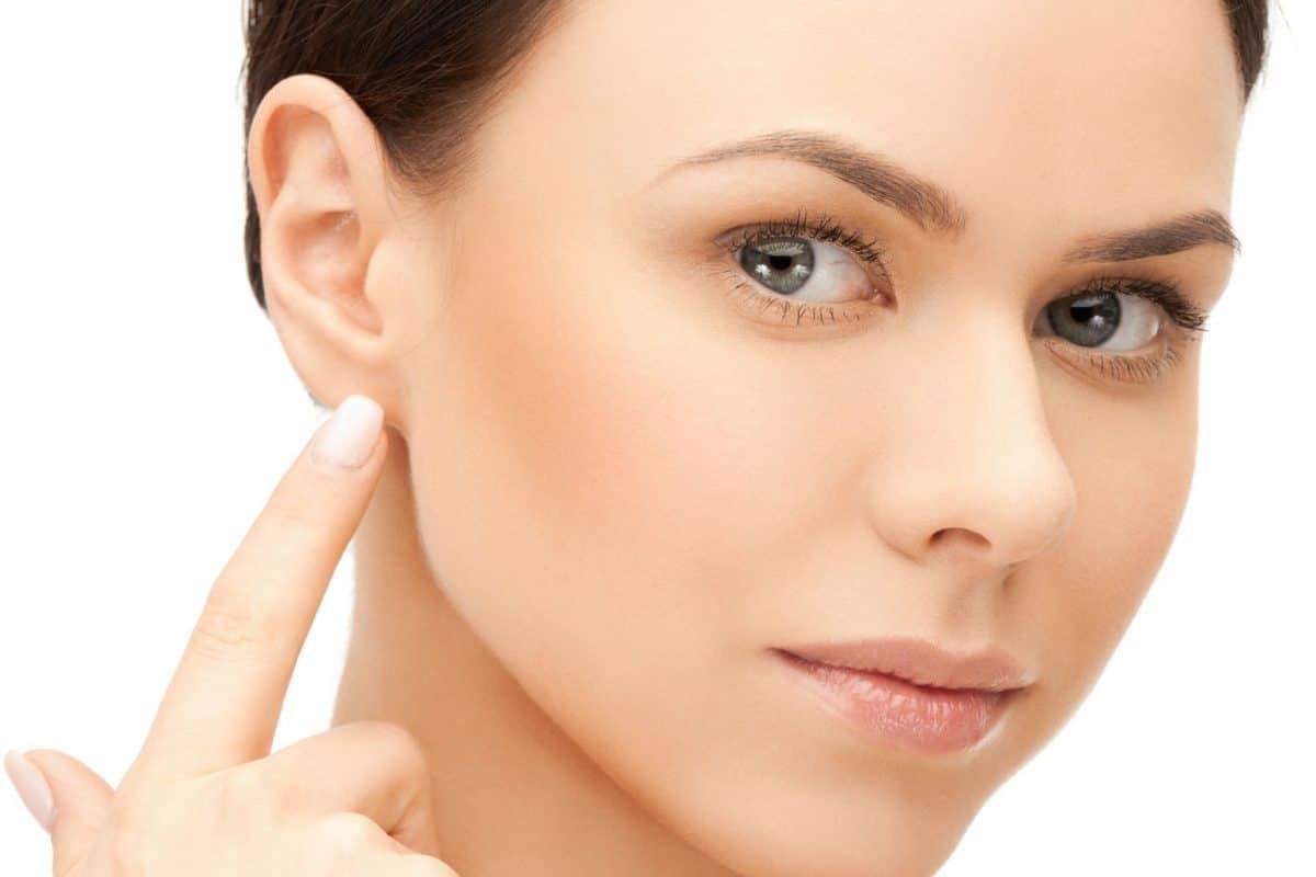 Pozbądź się zaskórników – wybierz się na manualne oczyszczanie twarzy!
