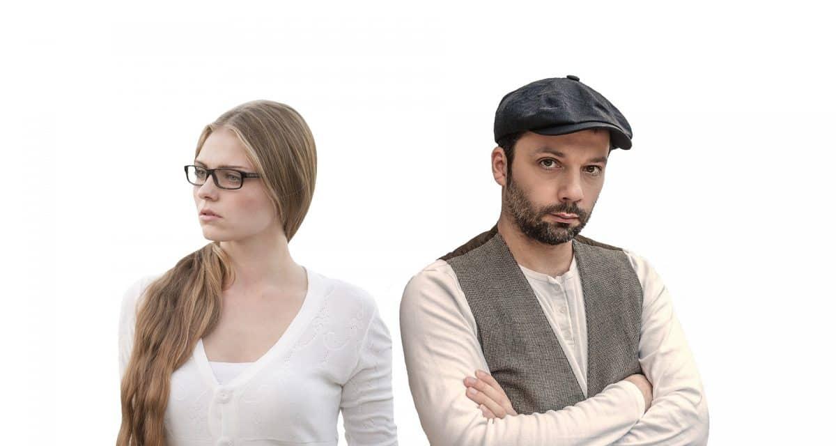 Nowe badania pokazują, że kobiety oceniają swoje relacje bardziej negatywnie tuż przed owulacją