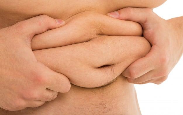 Wałki tłuszczu na brzuchu