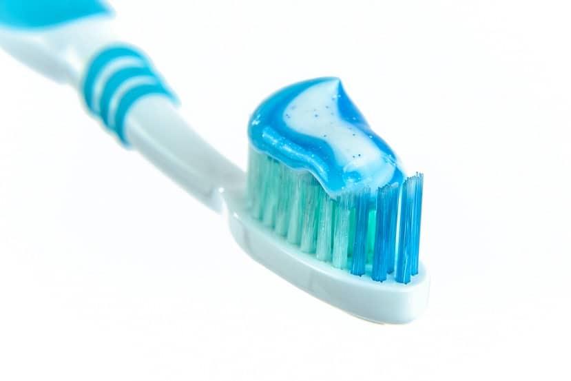 Jak zapobiegać próchnicy zębów?