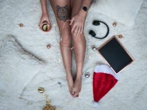 Tatuaz wilk na nodze kobiety i jego znaczenie