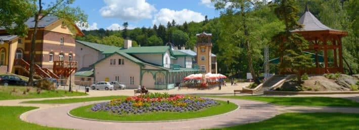 budynek uzdrowiska w Iwoniczu Zdroju