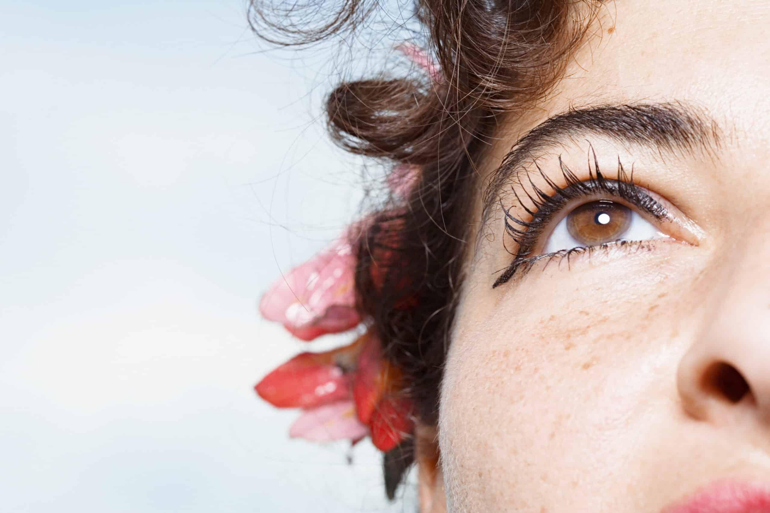 Jak powinna wyglądać pielęgnacja cery trądzikowej?