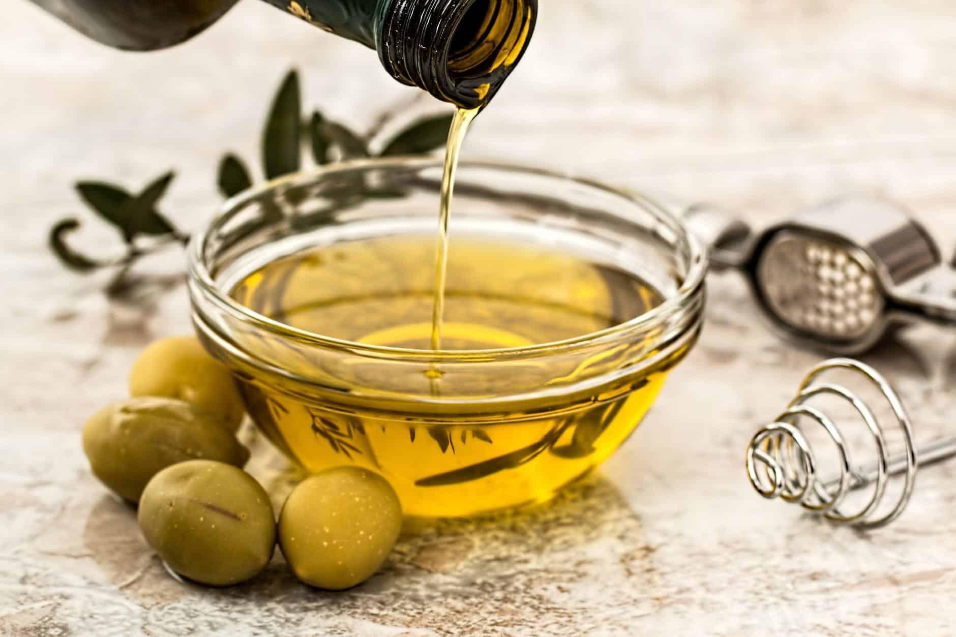 5 olejów, które warto mieć w swojej kuchni
