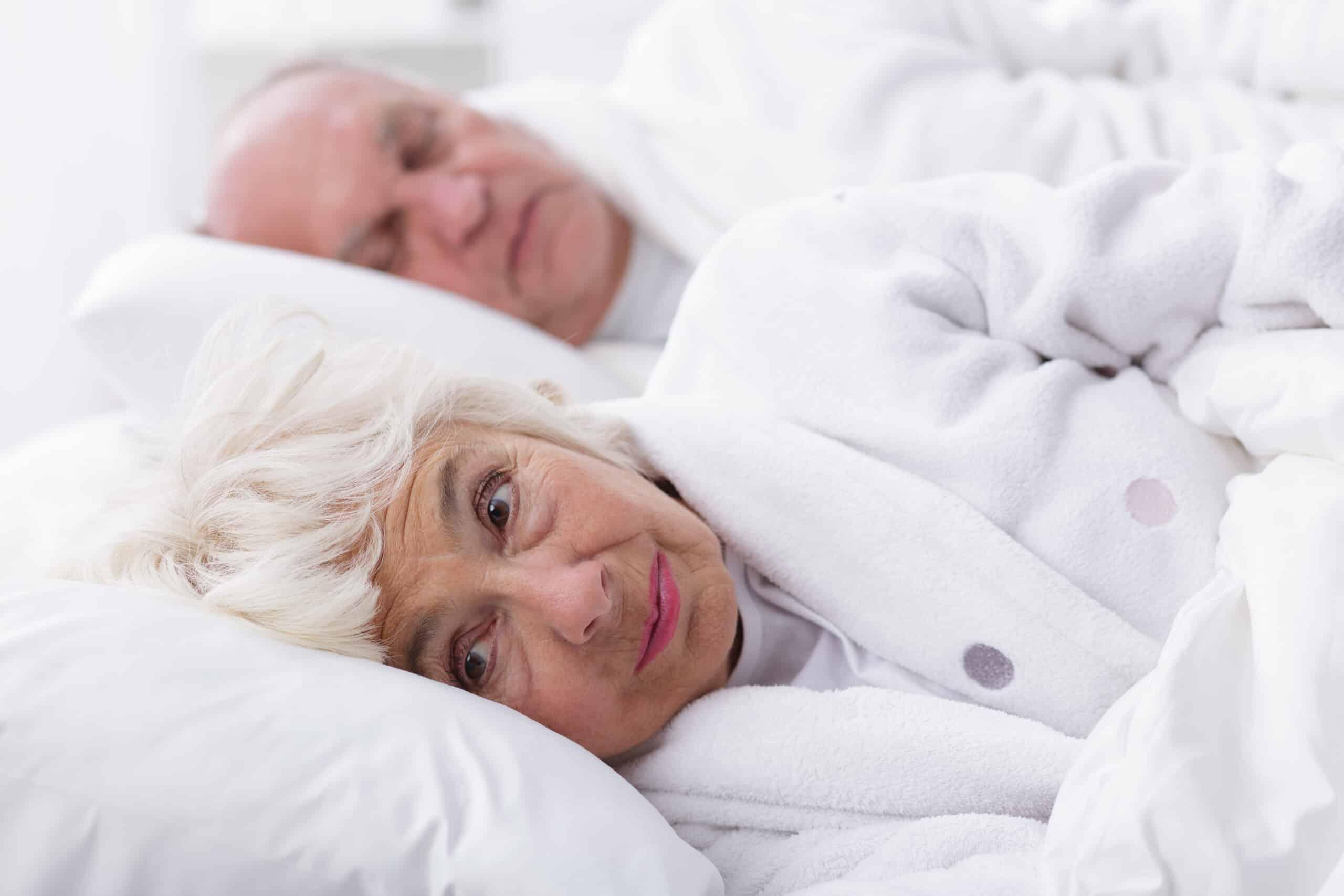 Bezsenność u seniorów – jak sobie z nią radzić?