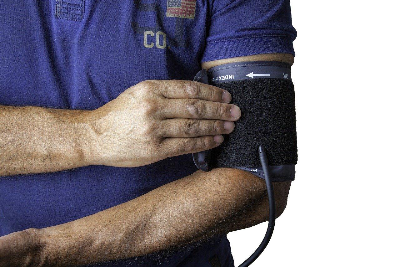 Mierzenie ciśnienia z powodu kołatania serca