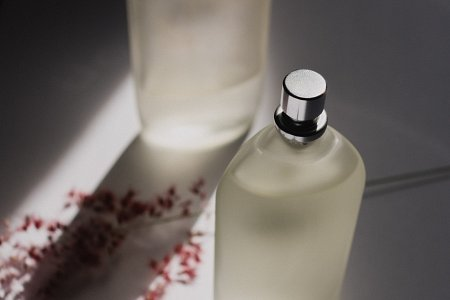 szklana butelka perfum
