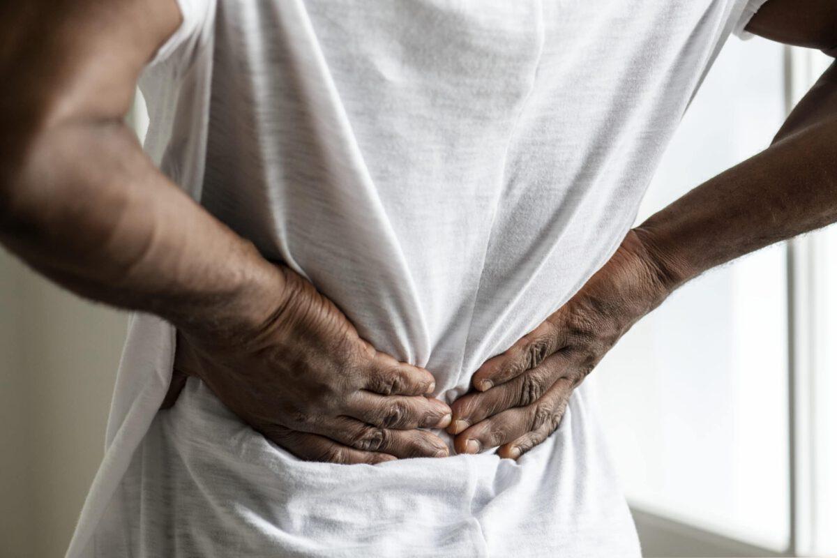 Ucusk na nerwy poprzez bliznę po operacji kręgosłopua