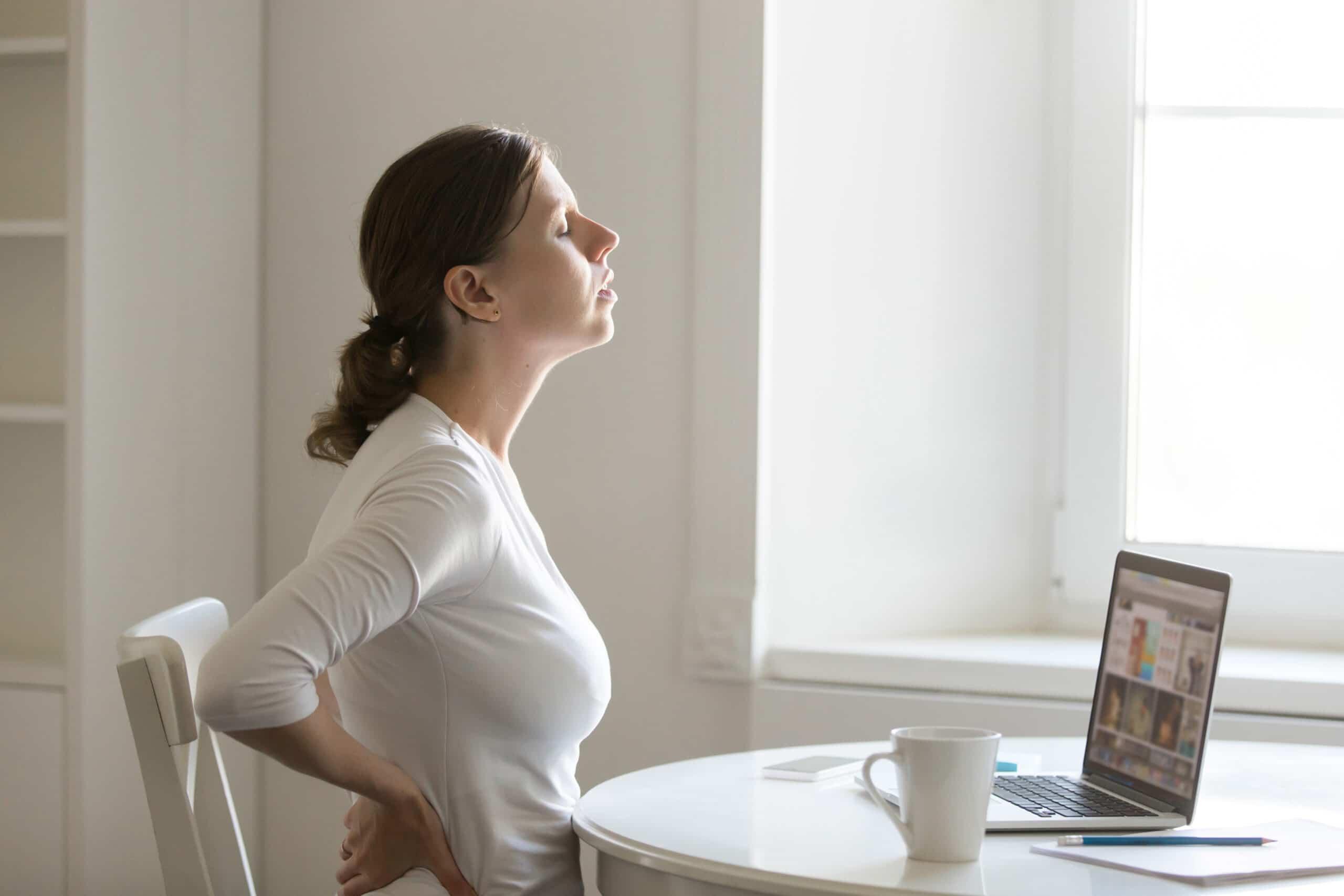 Blizna po operacji kręgosłupa lędźwiowego – czy może powodować ucisk na nerwy?