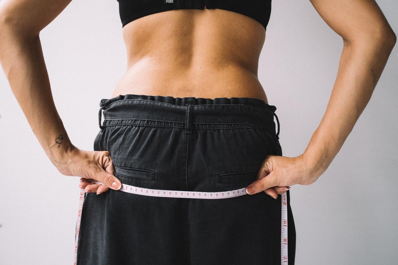 Jak przytyć w biodrach? Poznaj sprawdzone ćwiczenia na pośladki!