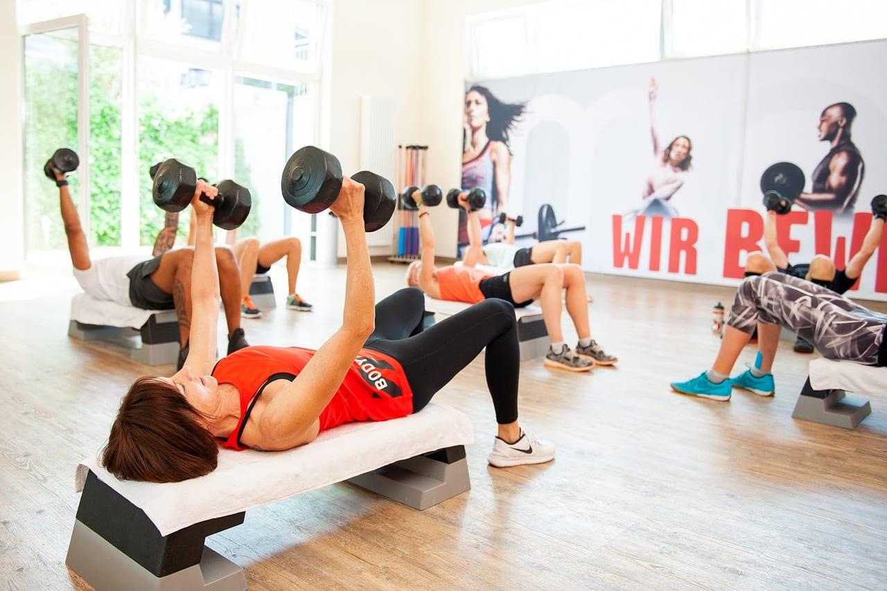 Hantelki do ćwiczeń jako sposób na ćwiczenia wzmacniające mięśnie