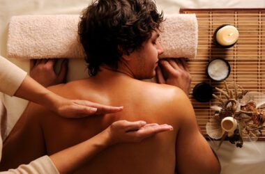 masaż mężczyzny