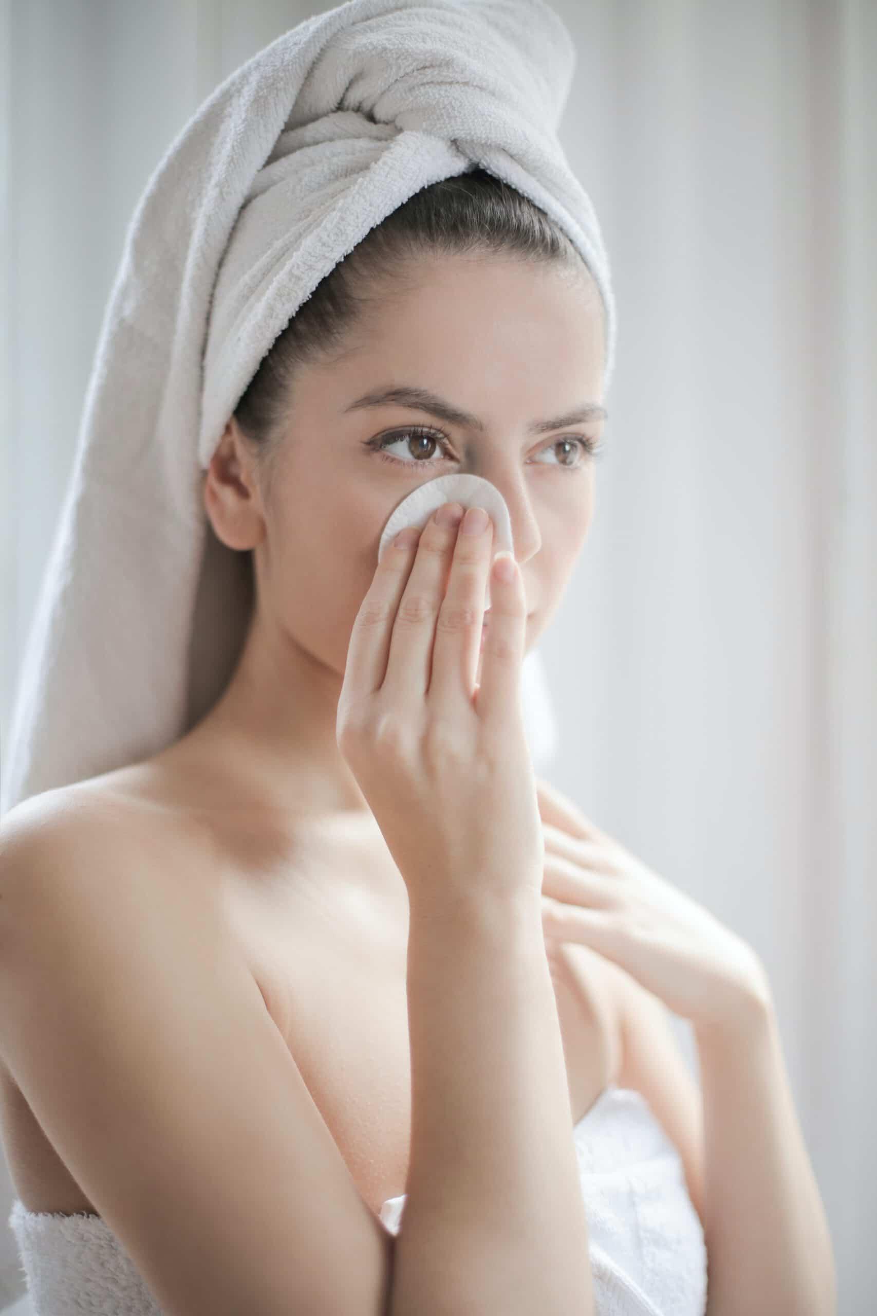Czym charakteryzują się poszczególne etapy pielęgnacji twarzy?