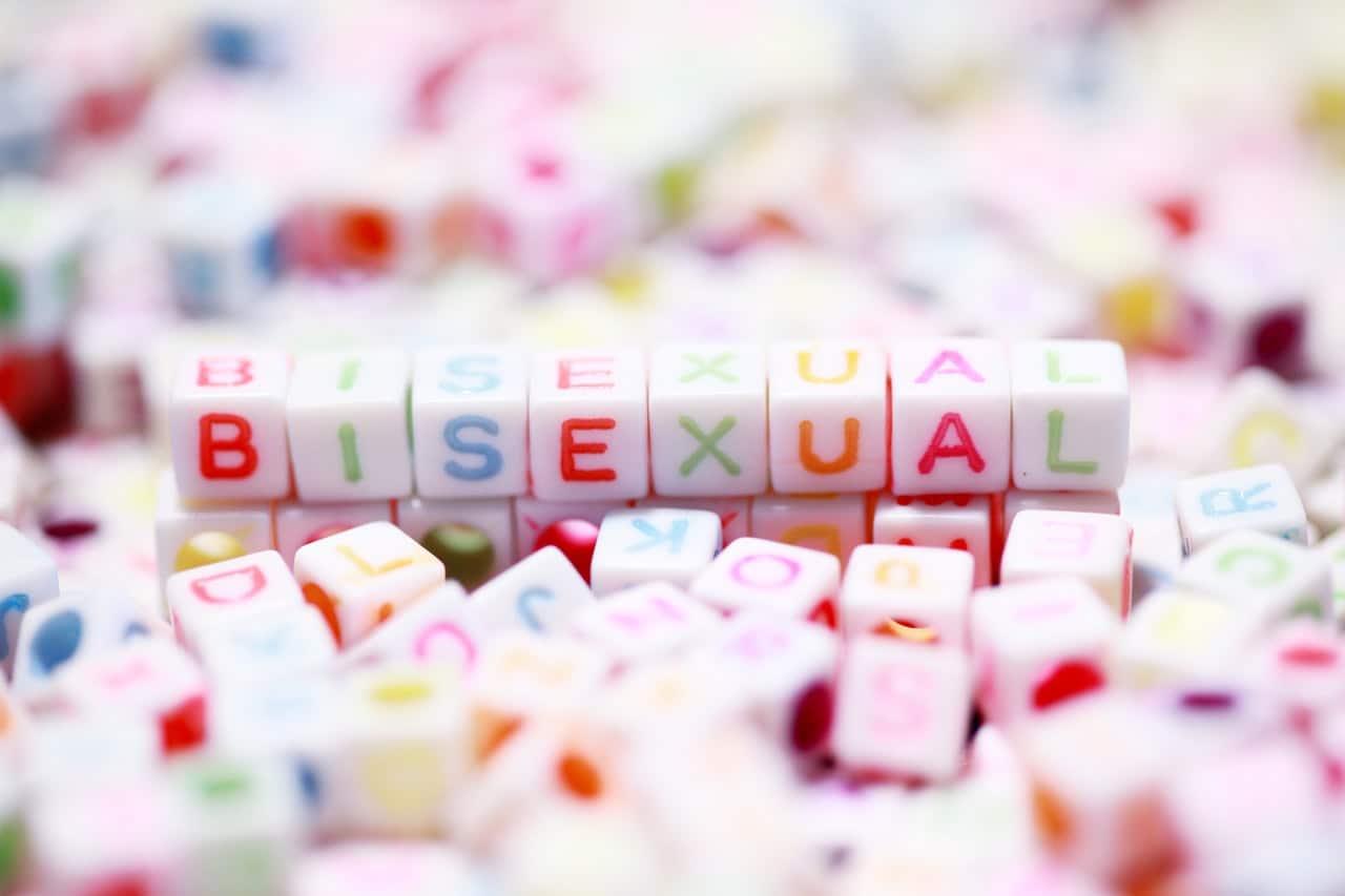 Biseksualista – kim jest? Jakie cechy wyróżniają osoby biseksualne?