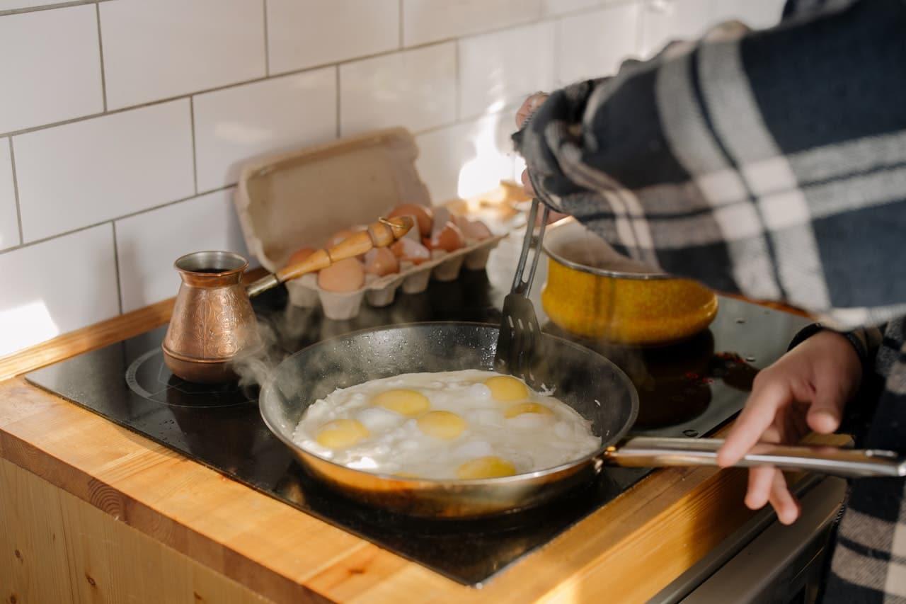 Jajka sadzone na diecie niskowęglowodanowej