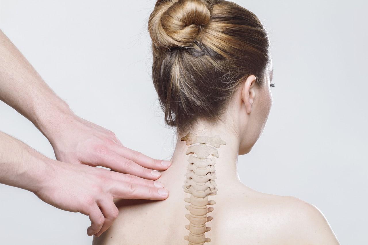 Jak leczyć choroby zwyrodnieniowe kręgosłupa? O roli rehabilitacji