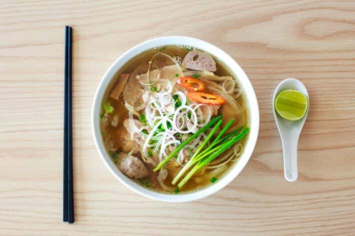 Warzywna zupa w diecie zupowej