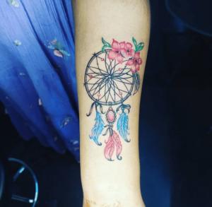 Łapacz snów tattoo na ręce