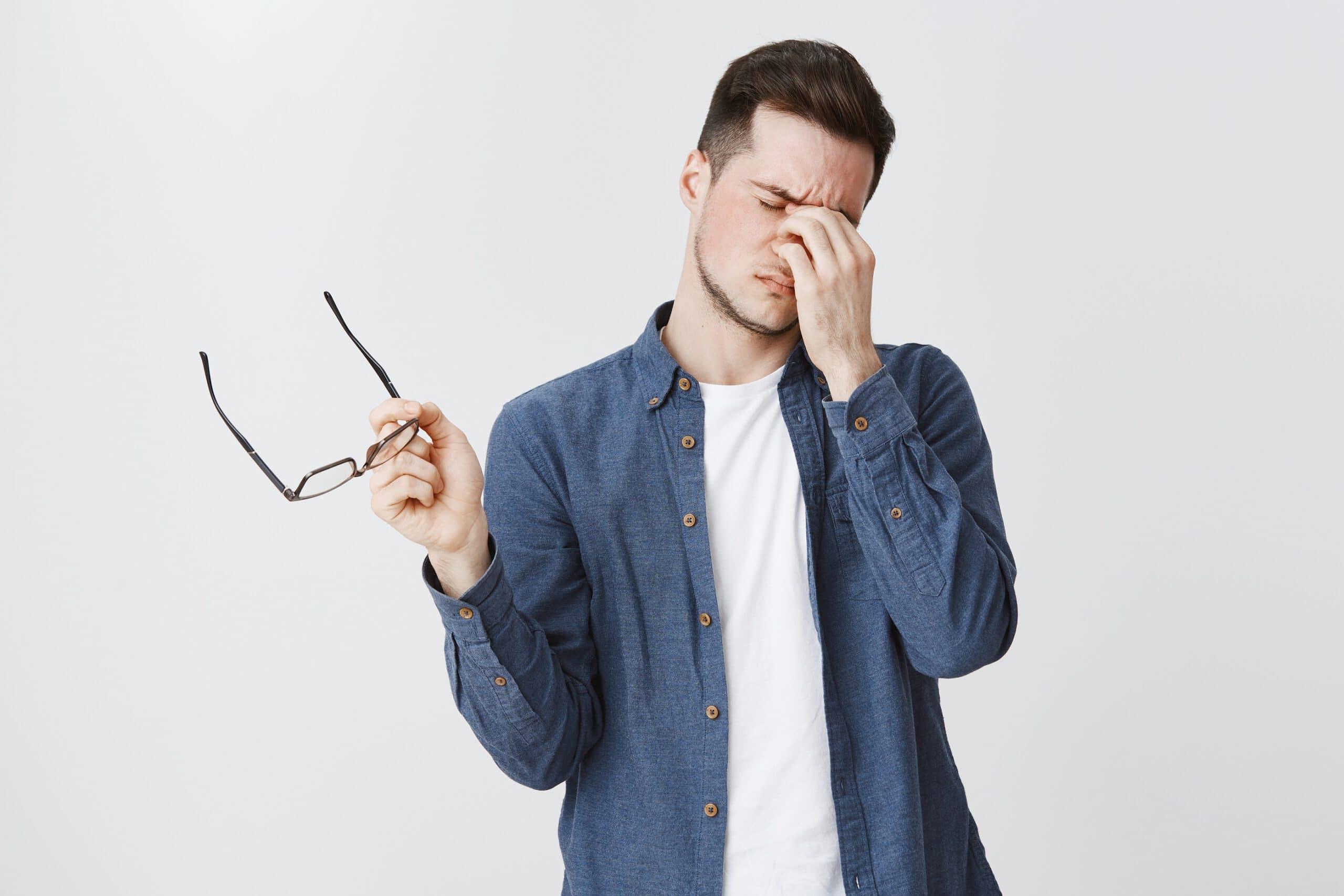 Ciśnienie w oku – norma. Jakie są objawy podwyższonego ciśnienia w oku?