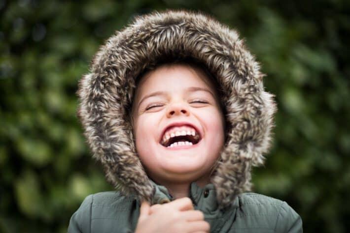 uśmiechające się dziecko