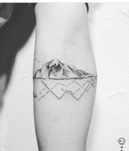 Tatuaż góry