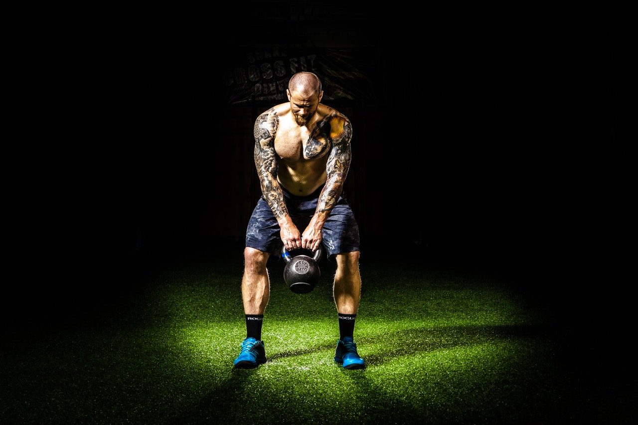 Czy zrobienie tatuażu wpływa na treningi na siłowni?