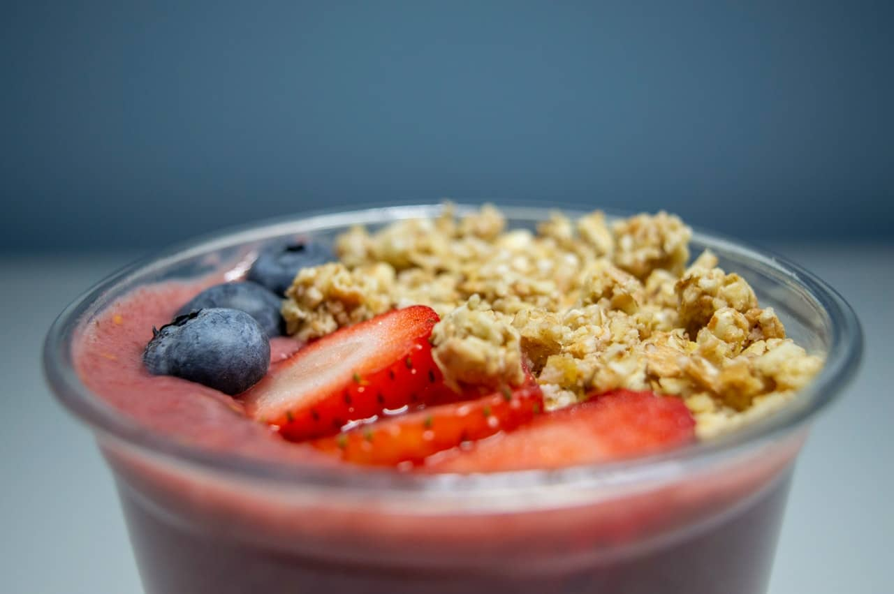 Owoce i płatki owsiane na diecie 1200 kcal