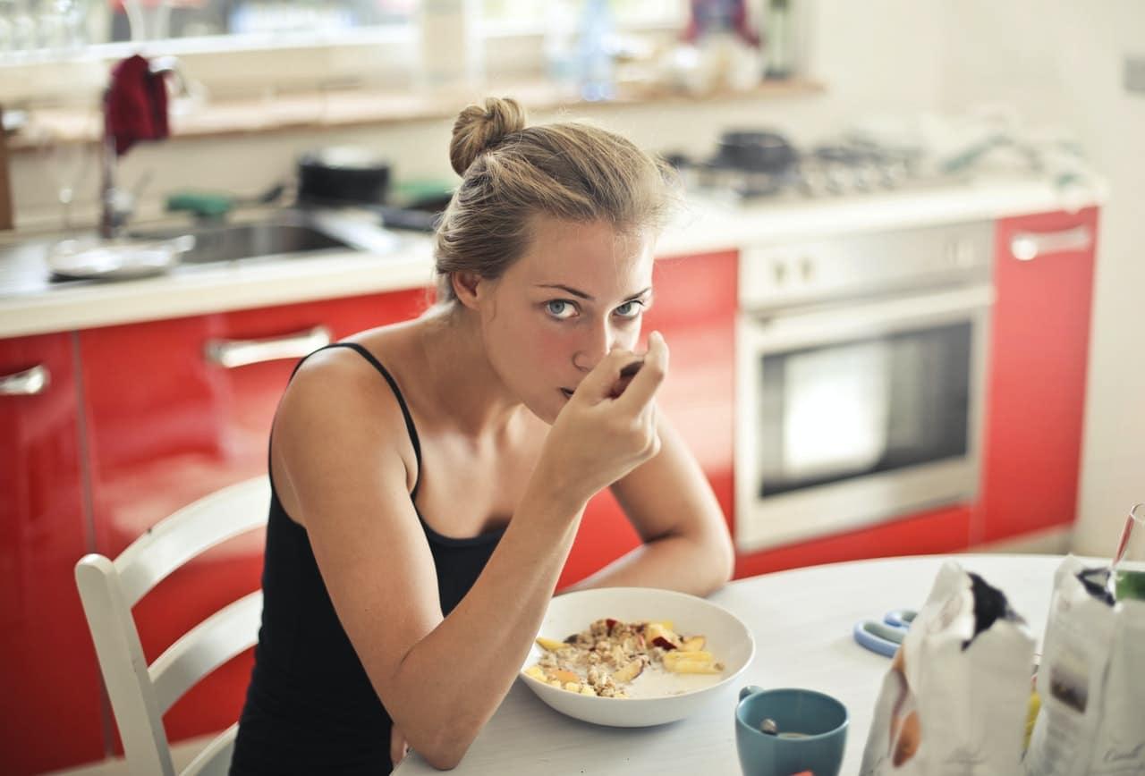 Kobieta na diecie 1200 kcal