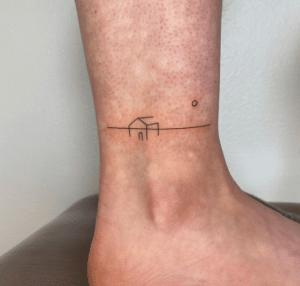 Tatuaże wokół kostki
