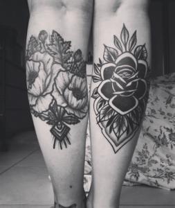Tatuaż na łydce damski czarno białe wzory