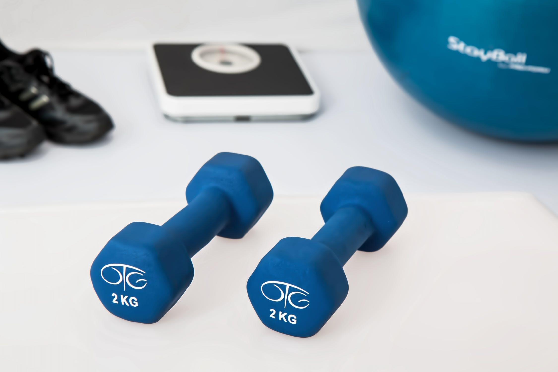 Jakie wybrać hantle do siłowni?