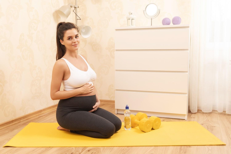 Bezpieczne ćwiczenia w ciąży w 1 trymestrze, 2 trymestrze i 3 trymestrze