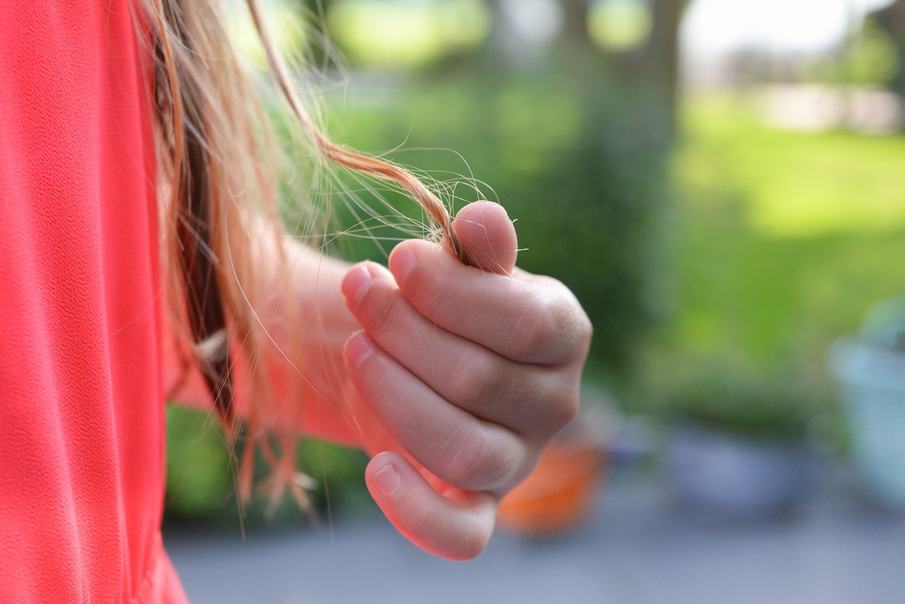 Wypadanie włosów - przyczyny i sposoby ich wzmocnienia