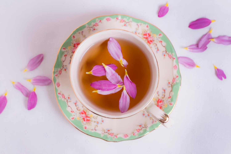 Herbata na odchudzanie – rodzaje i właściwości. Co powinna zawierać dobra herbata odchudzająca