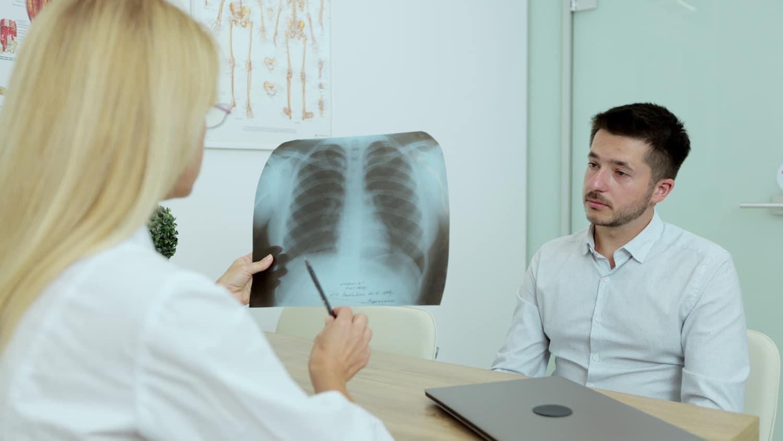 Przewlekła obturacyjna choroba płuc (POChP) – przyczyny, objawy, rokowania