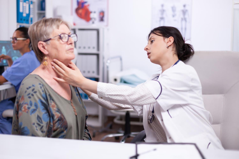 Guzki tarczycy hypoechogeniczne – czy to rak? Kiedy wykonać badania tarczycy i jak interpretować wyniki?
