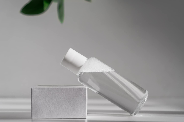 Jak działa płyn micelarny i kiedy warto go stosować?